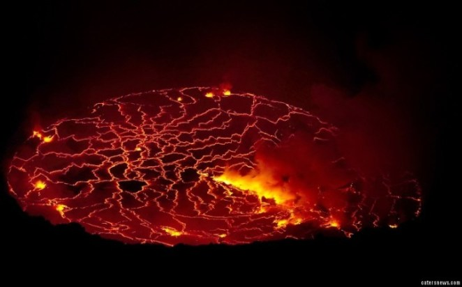 1_CATERS_VOLCANO_CRATER_09-800x498