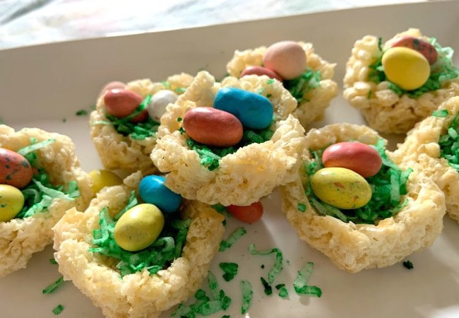 Rice Krispie Treat Easter Nests