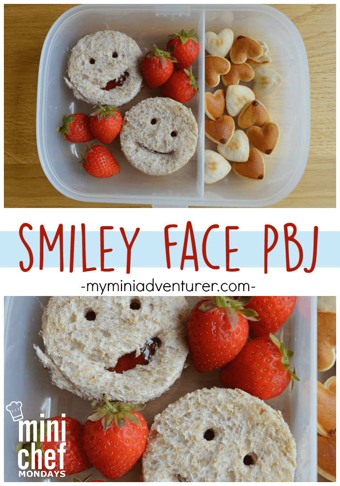 Smiley Face PB&Js for a cute and easy back to school lunch