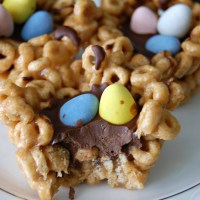 Easter Peanut Butter Cheerio Cups