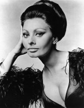 sophia-loren-in-costume-for-arabesque-everett