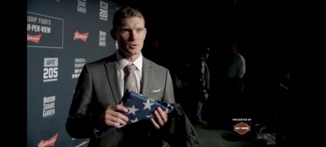 Stephen Thompson to wear flag presented by wounded warriors in UFC 205 co-main event
