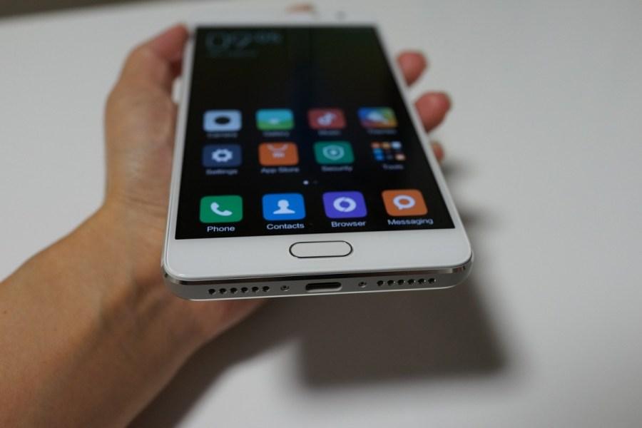 Xiaomi Redmi Pro外観写真