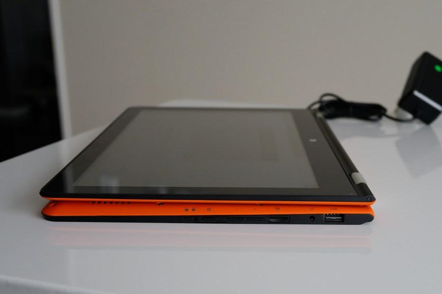 VOYO VBook V3 Ultrabookが360度キーボードが折り返せる