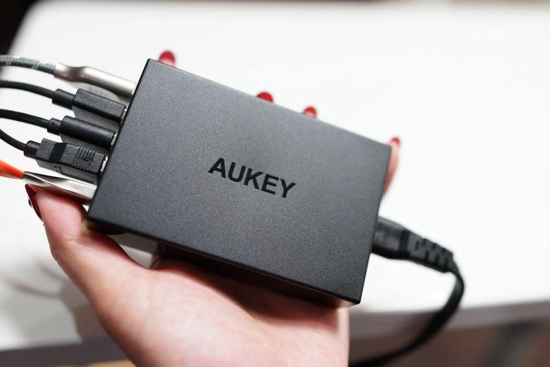 AUKEY USB5ポート充電器レビュー Quick Charge 3.0対応! 外観参考写真