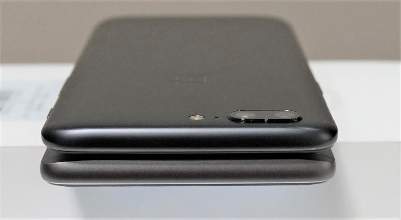 OnePlus 5 実機レビュー  OnePlus 5 と OnePlus 3Tの外観の違い