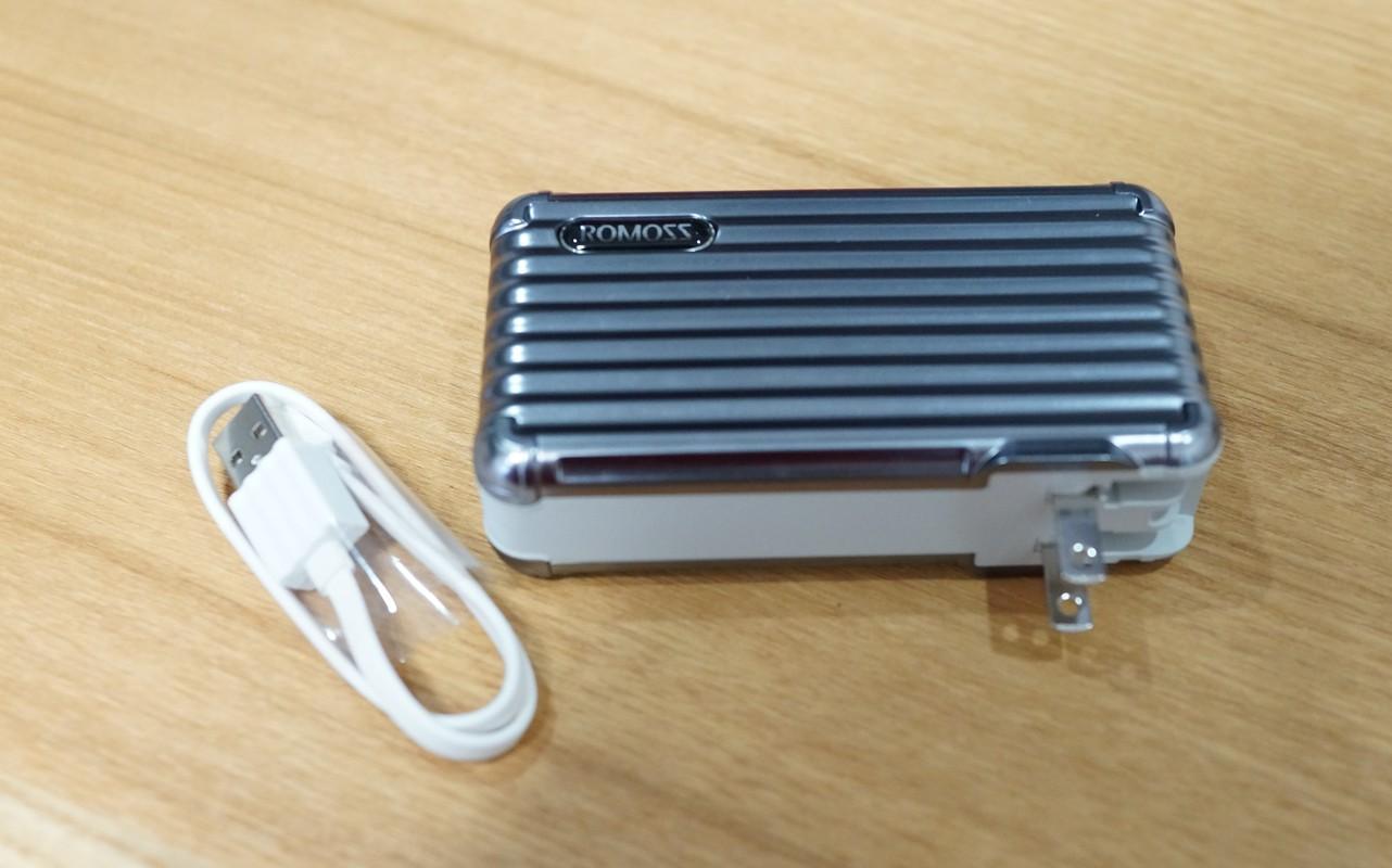 ROMOSS モバイルバッテリーレビュー 10000mAh ACプラグ内蔵 大容量 2ポート
