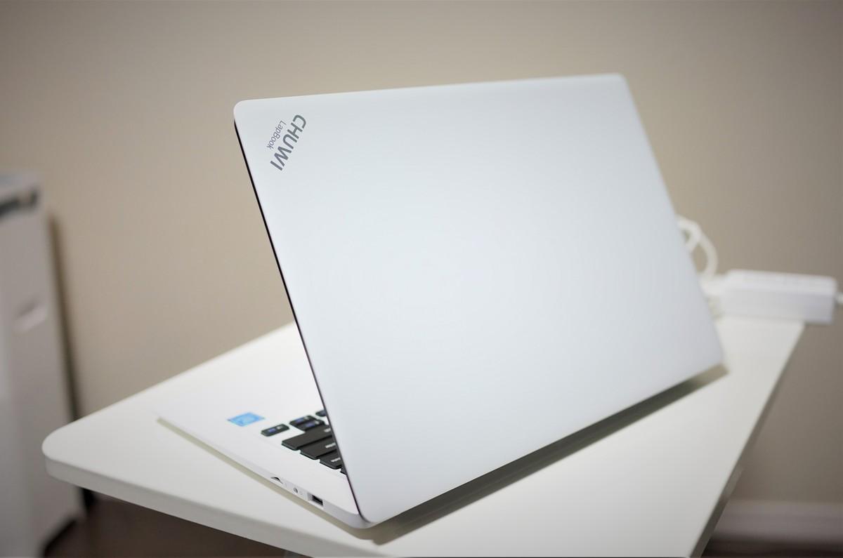 CHUWI LapBook 14.1 外観参考写真写真