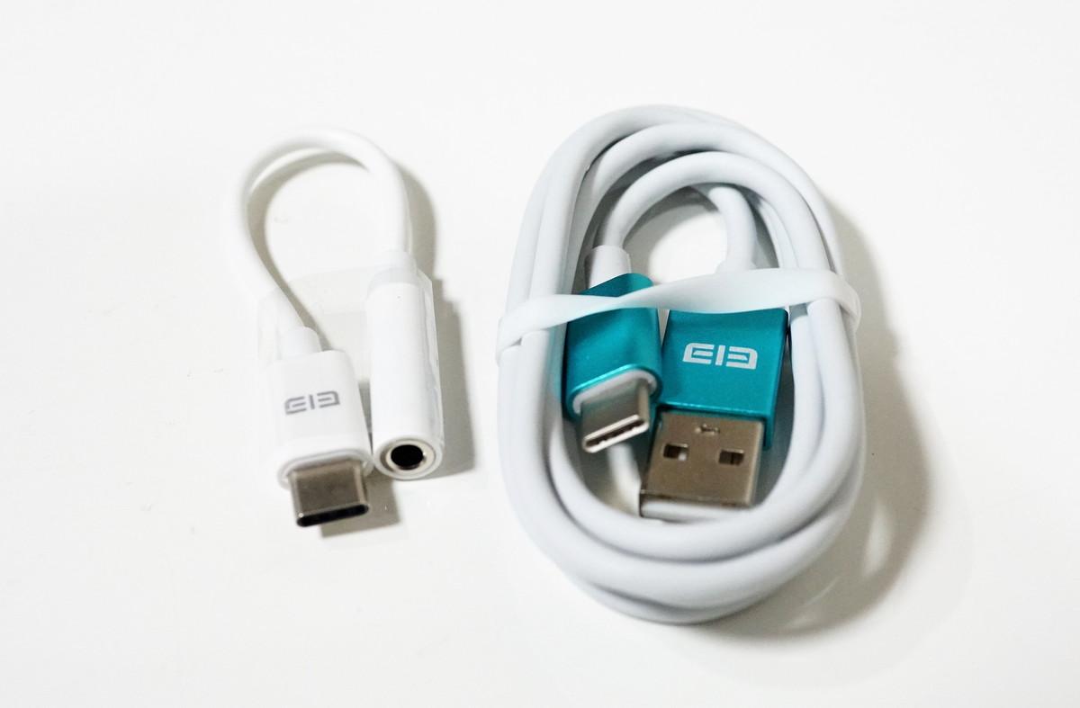 Elephone S8 実機レビュー アダプターと充電コードの参考写真