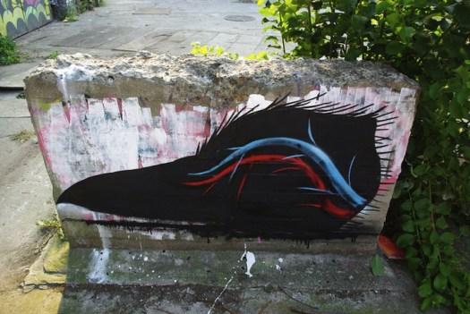 xray street art roa