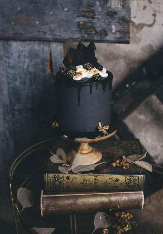 Dark Wedding Cakes