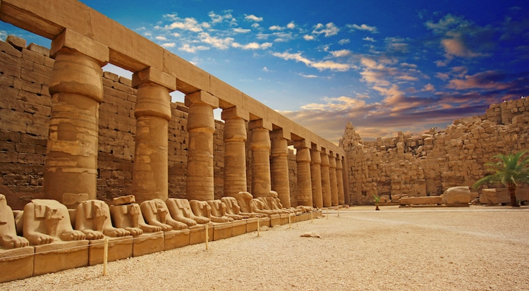 egyptian architecture Temple of Karnak in Luxor