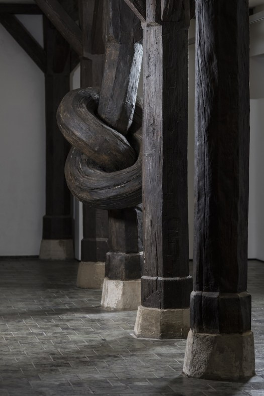 Alex Chinneck optical illusion sculpture