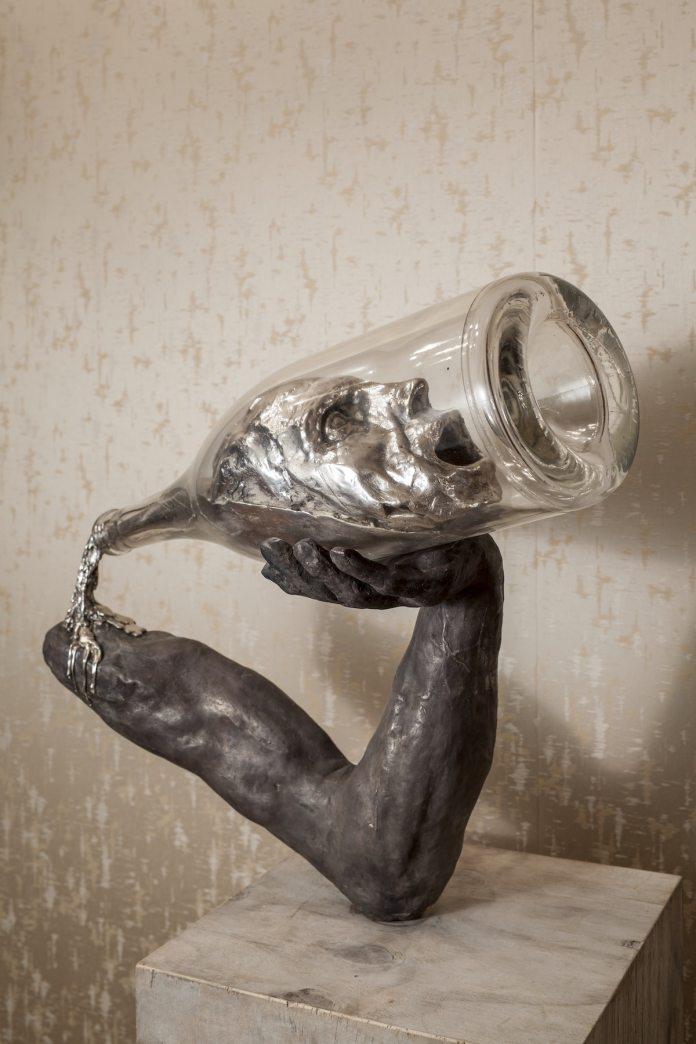 Conceptual Sculpture by Thomas Lerooy