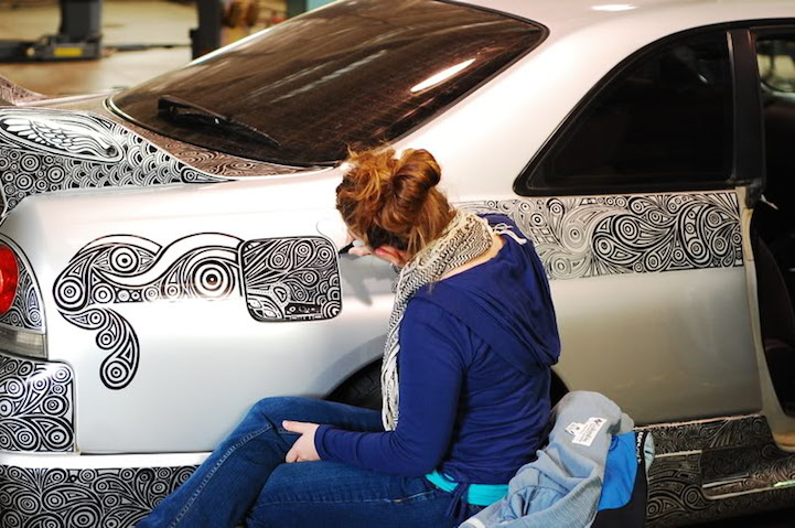 Artist Uses Sharpie To Cover Husbands Skyline GTR With