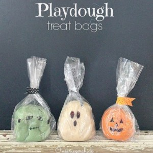 play dough treat bags, halloween candy-free trick or treat options