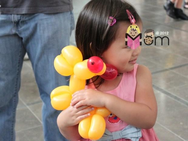 My Mommyology Hugging her Balloon