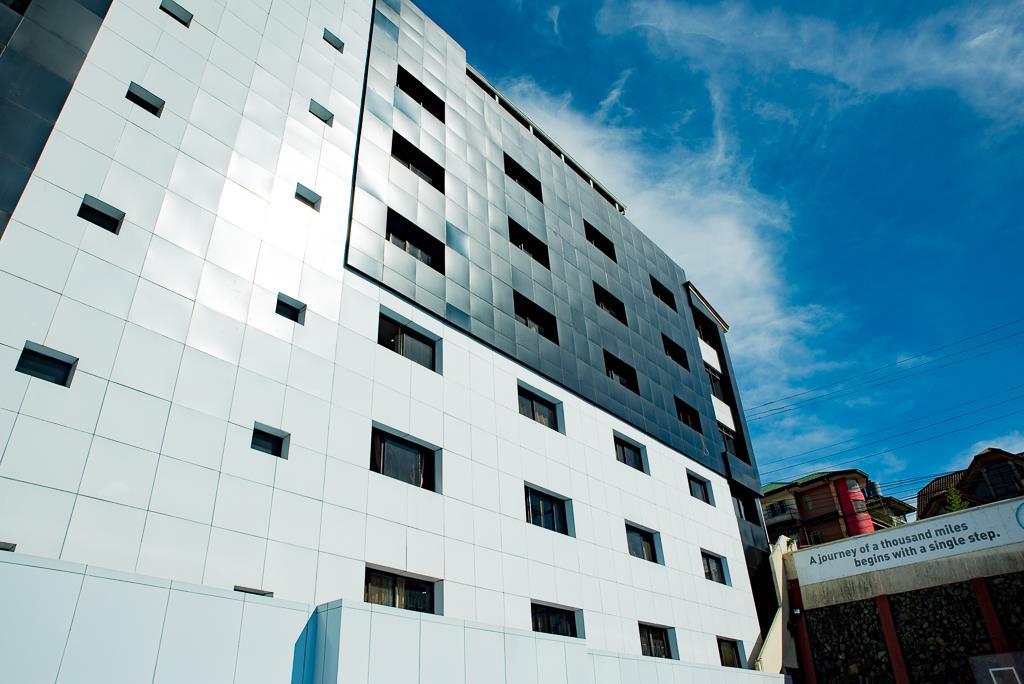 monol-building-facade