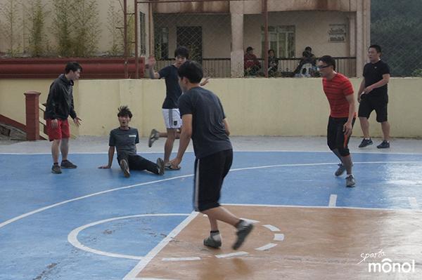 person-defending-futsal
