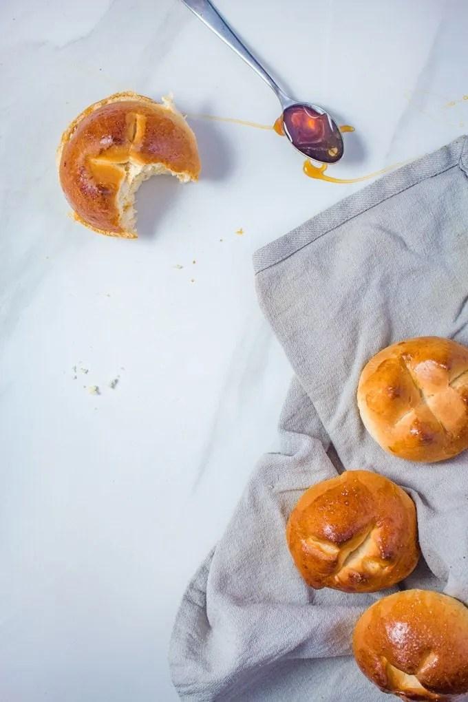Krachel Recipe | Moroccan Style Brioche with Cinnamon and Orange Flower extract. It's my favorite way to eat breakfast! #Moroccanrecipe #moroccan #breakfast #recipe