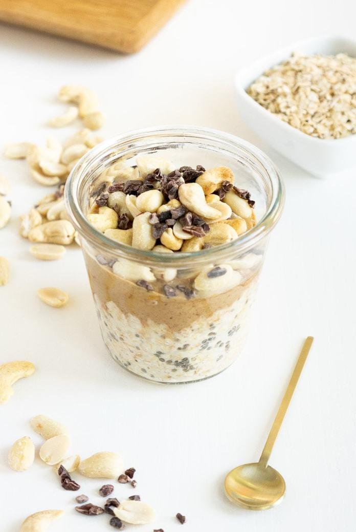 Peanut Butter Overnight oats recipe: oats in a jar with peanut butter