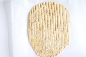 Cutting-breadsticks