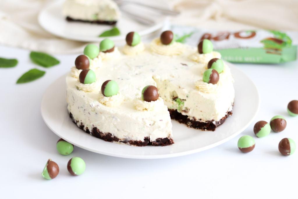 How to make a aero mint chocolate cheesecake with this no bake recipe.