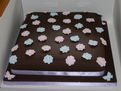 Chocolate cake with blossoms