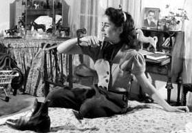 Elizabeth Taylor and her chipmunk Nibbles 1945