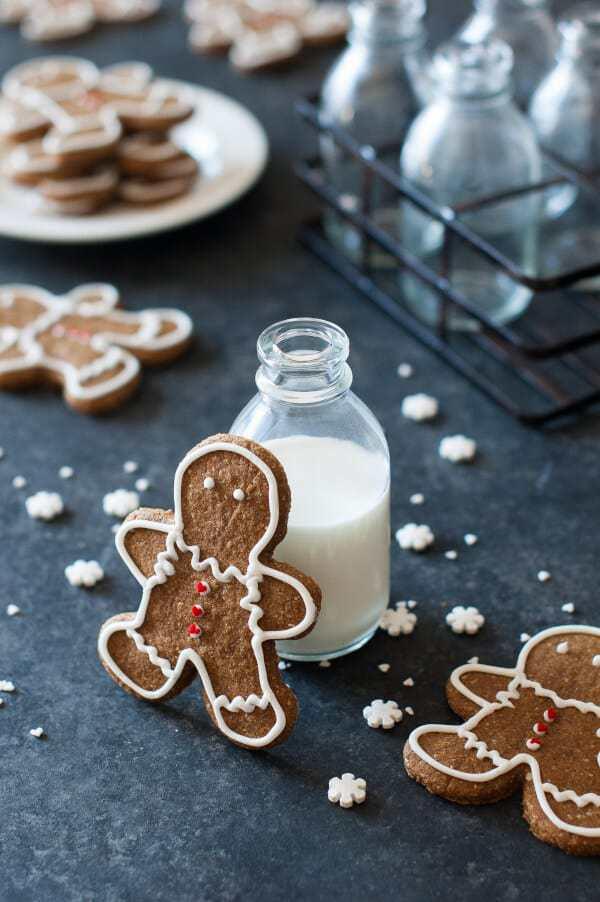 Gingerbread Cookies Recipe {Paleo, Gluten Free, Clean Eating, Dairy Free, Vegan}