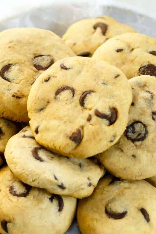 The BEST Soft-Batch Paleo Chocolate Chip Cookies {Paleo, Gluten-Free, Clean Eating}
