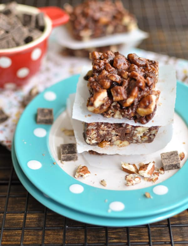 4 Ingredient Dark Chocolate Pecan Bars