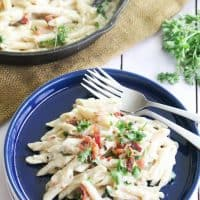 Easy, Creamy Garlic Parmesan Bacon Pasta Recipe