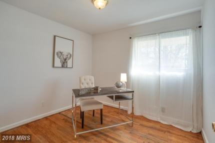 Picture of vacant office staging