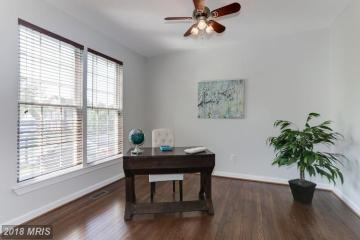 Picture of Vacant Home Office staging
