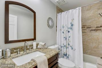 Picture of remodeled bathroom staged for sale