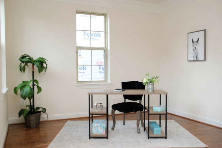 Picture of home office staging for a new home
