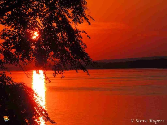 Delta sunset 03
