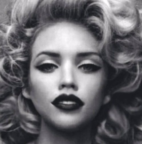 hairstyles for curly hair marylin monroe lookalike