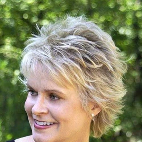 mature short layered hairstyles