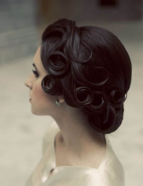 vintage royal updos for long hair