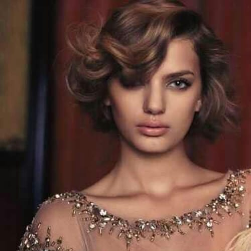 Gorgeous curls haircuts for round faces