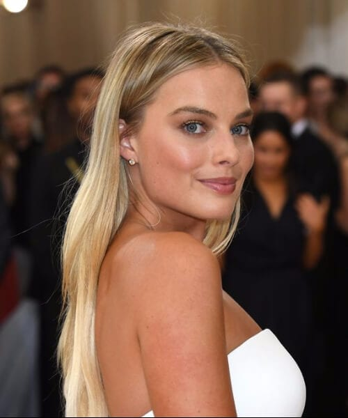 margot robbie blonde hair