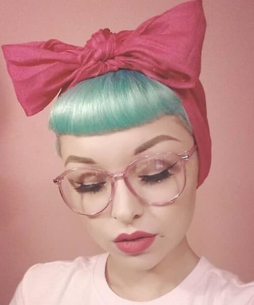sea foam and bows pin up hairstyles