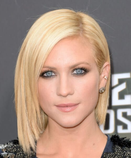 brittany snow shoulder length bob