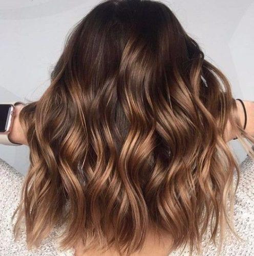 marrón avellana balayage color de pelo