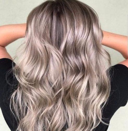 gris y beige balayage color de pelo