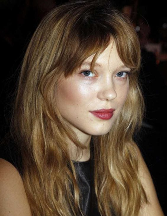 Léa Seydoux brown hair with blonde highlights