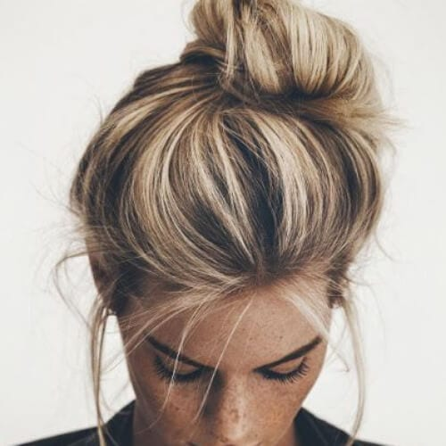 messy bun blonde hairstyles