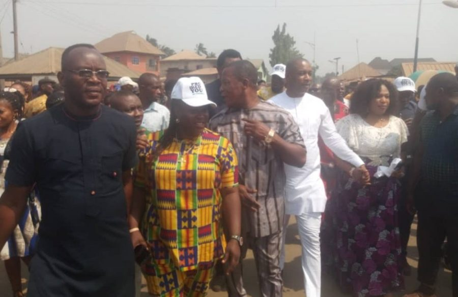Uche Ogbuagu and wife, Nkeiru, others at Nkwo- Imo Market commissioning at Amaimo on Saturday